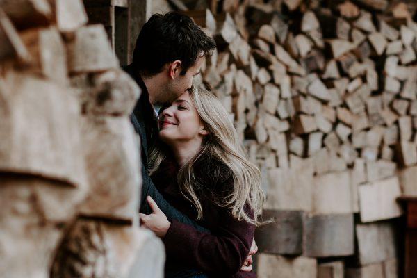 Ingin Lebih Memahami Pasangan? Kenali 5 Bahasa Cinta Ini