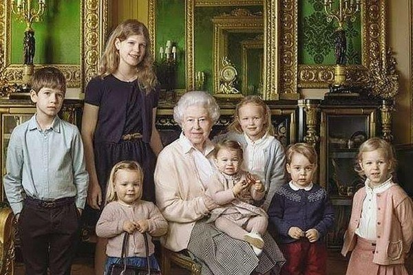 Prediksi Wajah Dewasa Cicit Ratu Elizabeth, Gantengnya Pangeran George!