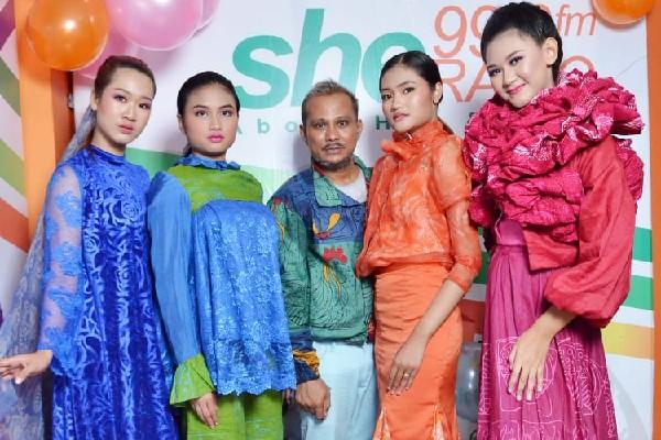 Tampil Fresh dengan Pop Art Fashion