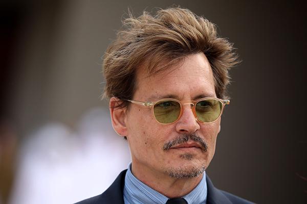 Tak Hanya Johnny Depp, Para Selebriti Pria Ini Juga Jadi Korban KDRT Istri