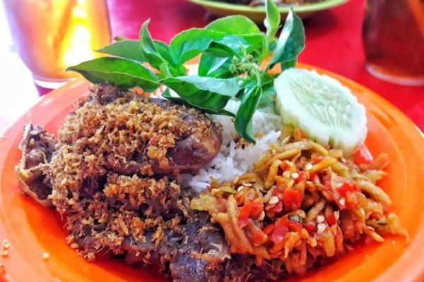 5 Bebek Goreng di Surabaya yang Wajib Kamu Coba