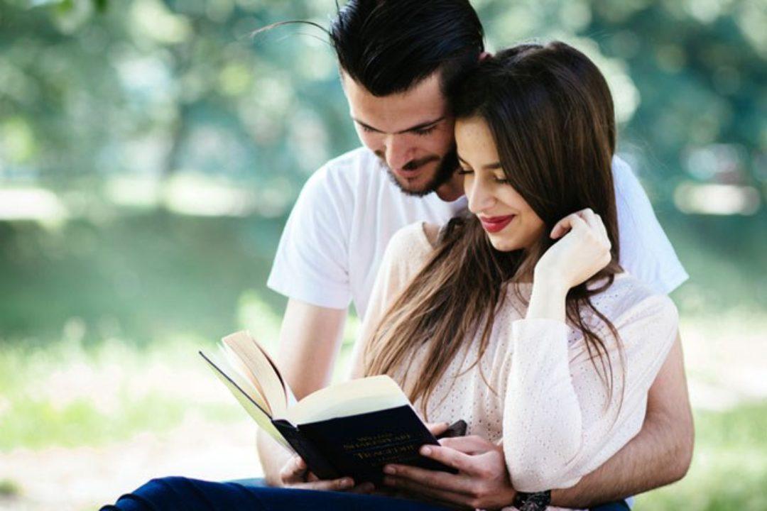 Couple-sharing-hobbies