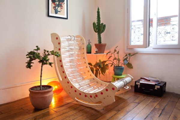 Eco-friendly-Chair-Made-From-Recycled-Plastic-Bottles-2