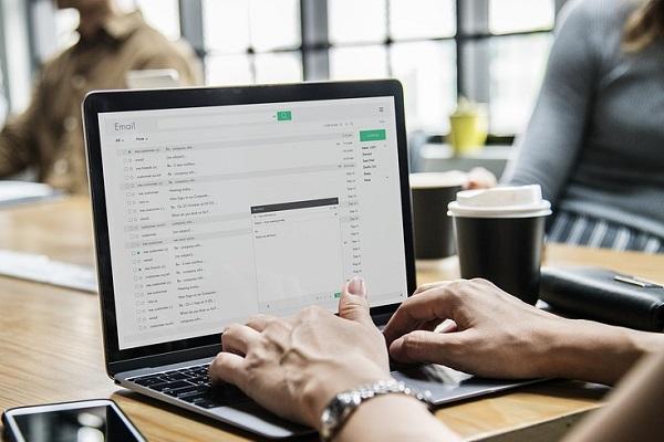 Etika Kirim dan Terima Email