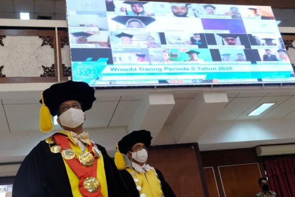 Sisi Positif Wisuda Daring Anti Ribet