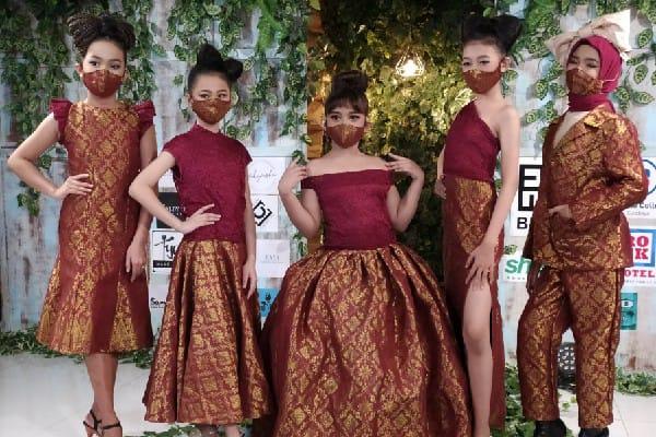 Sambut New Normal, Desainer Surabaya Gelar Fashion Show Daring