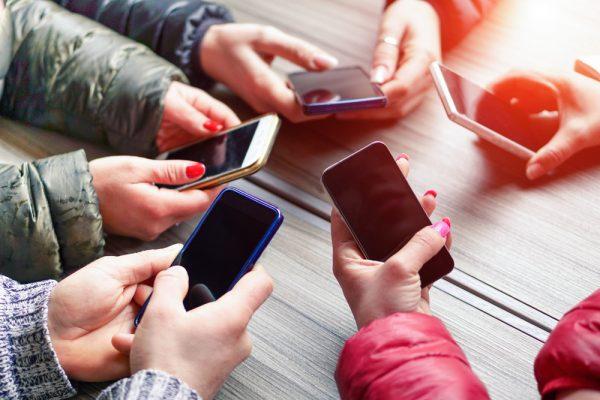 teensmartphones-600×400