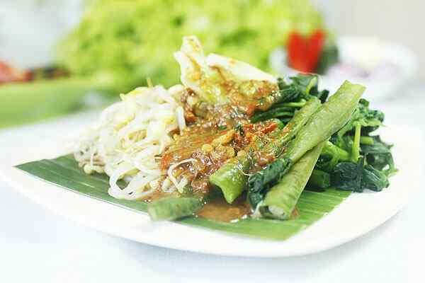 Ragam Nasi Pecel Asal Jawa Timur