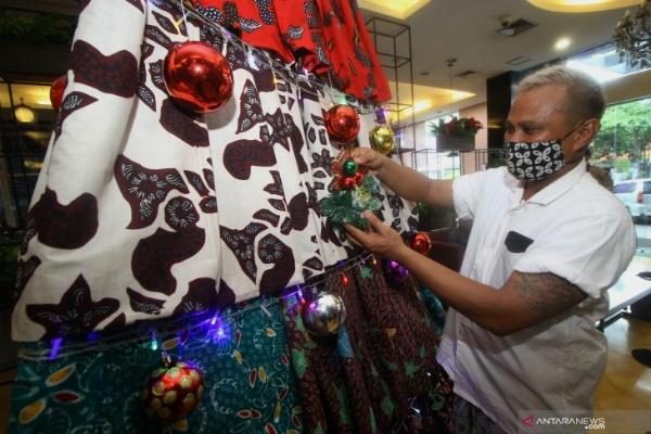 Hiasan Natal Unik di Sejumlah Hotel Surabaya