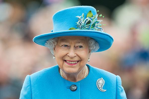 Etika Wajib Perempuan Keluarga Kerajaan Inggris