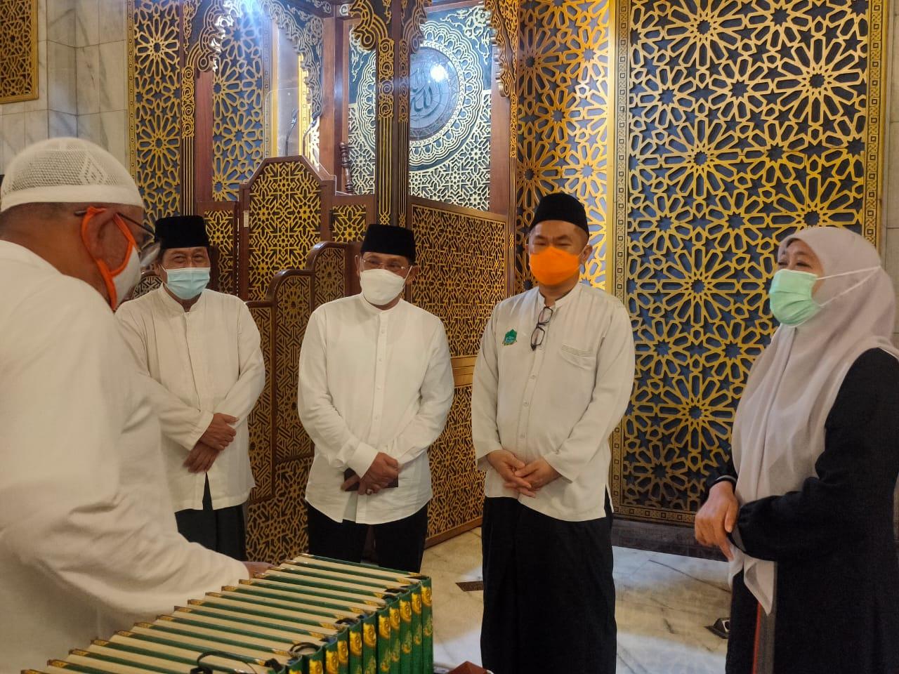 Gubernur Khofifah Cek Persiapan Sholat Id di Masjid Al Akbar