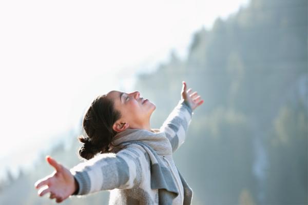 Cara Bangkitkan Hormon Bahagia Saat Hadapi PPKM Darurat